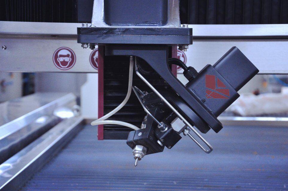 3D 5axis head.jpg coupant waterjet